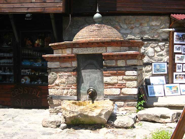 Турецкий фонтан в городе Несебр,